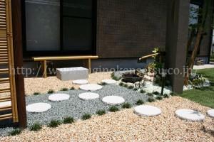 日本庭園でお庭に品を3