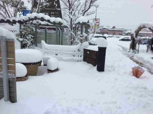 えす・あーとマイママ店の雪景色