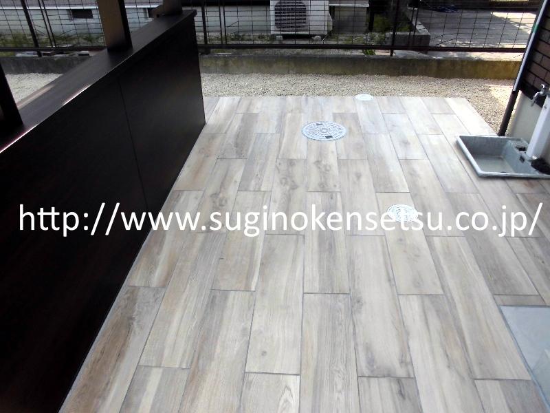 床材:LIXIL INAX スタイルプラス プリメーロ(横張り)